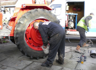 Replacing the tractor tyres